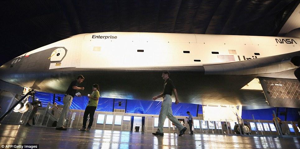 Alien Space Shuttle Inside - Pics about space