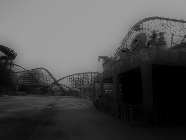 Like-a-Bad-Dream-abandoned-Six-Flags