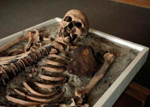 new-vampire-skeletons-found-bulgaria-oblique_57056_600x450