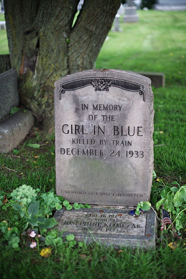 Gravestone of Mystery Girl In Blue