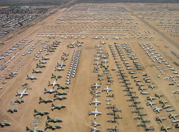 Stange: airplane graveyard in the Mojave desert
