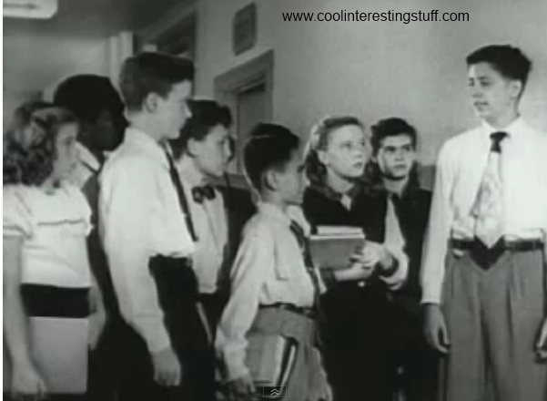 Time Travel proof – Apple Laptop in 50's film