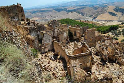 Ghost Town  – CRACO Italy: a medieval town