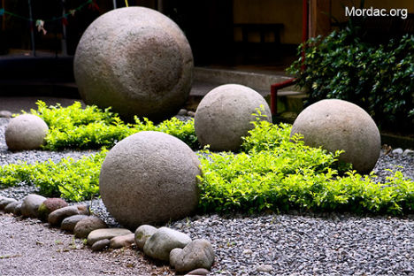 so-stone-spheres-costa-rica