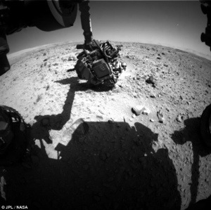 Has Nasa's Curiosity rover spotted a UFO on MARS?