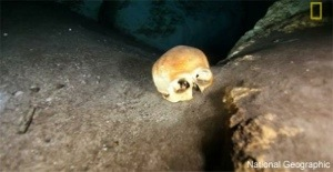 Archaeologists find elongated skulls in Maya underwater cave !