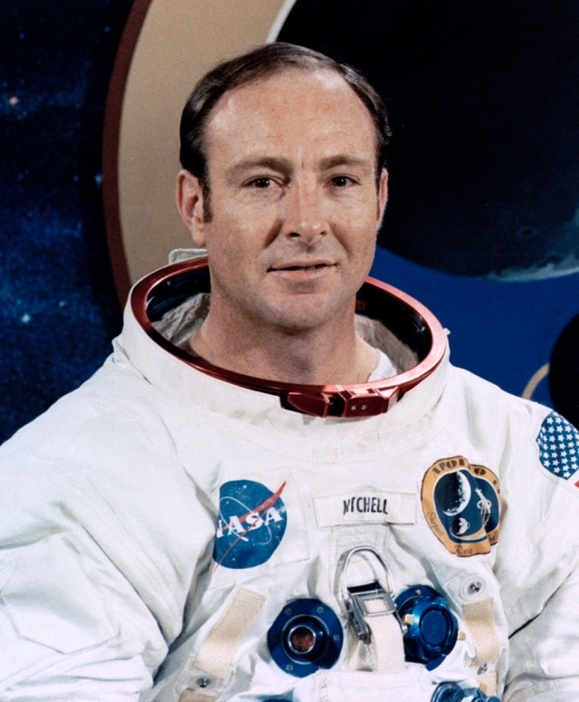 NASA Astronauts Who May Have Seen UFOs – Strange Unexplained Mysteries