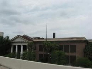The very haunted Devil's School (Jacksonville, Florida)