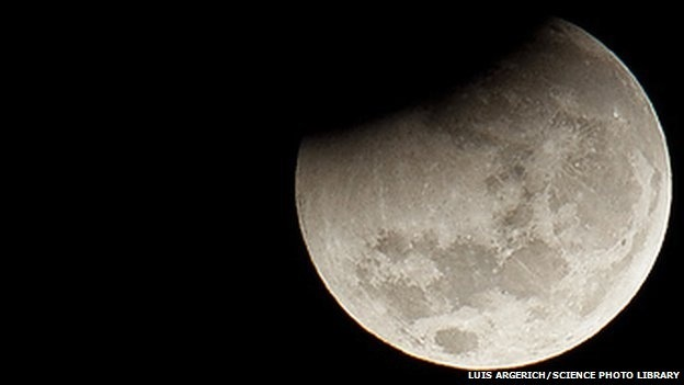 Traces of alien world found on the Moon