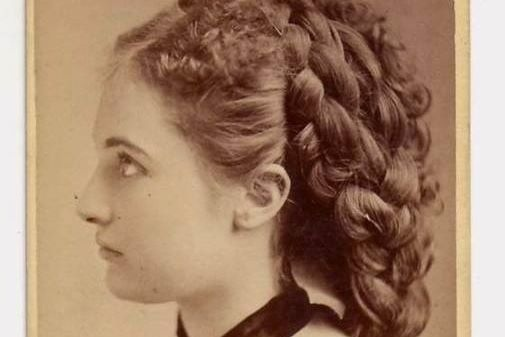 1898: The Girl from the Future  – Time Traveller revealed