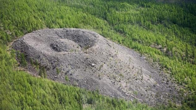 Strange Mystery – The Patomskiy Crater