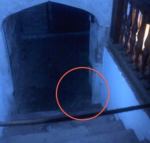 creepy pictures! Can you see the ghosts?
