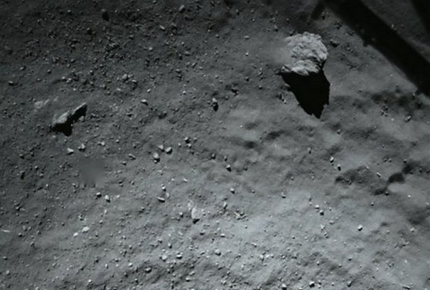 Probe lands on comet and finds alien evidence!