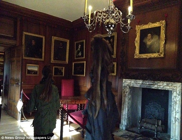 Unexplained Photo – Is this spooky apparition the Grey Lady of Hampton Court?