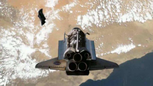 NASA Shuttle chases the satellite